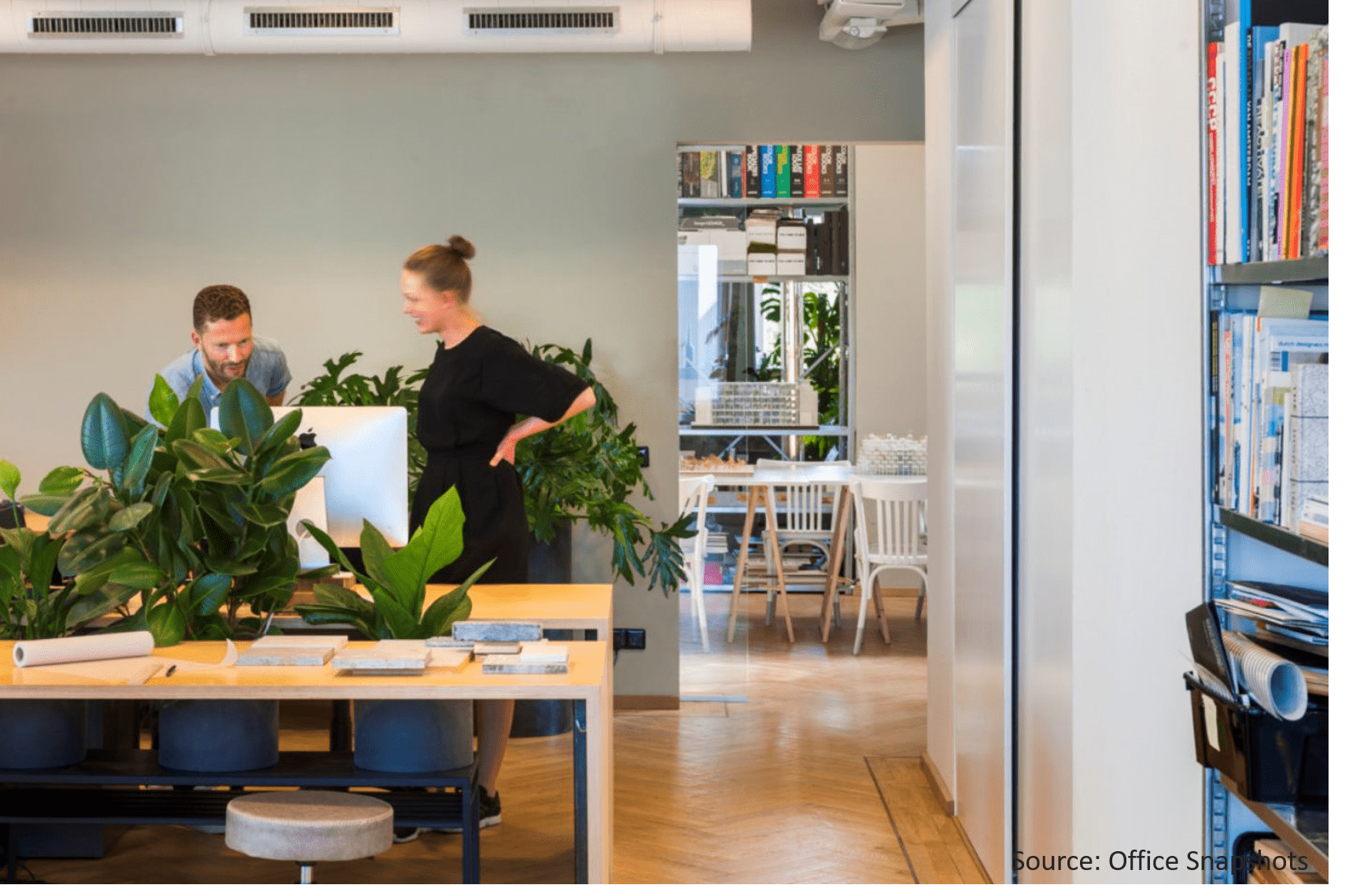 People-and-plants-working-together-in-the-modern-workplace